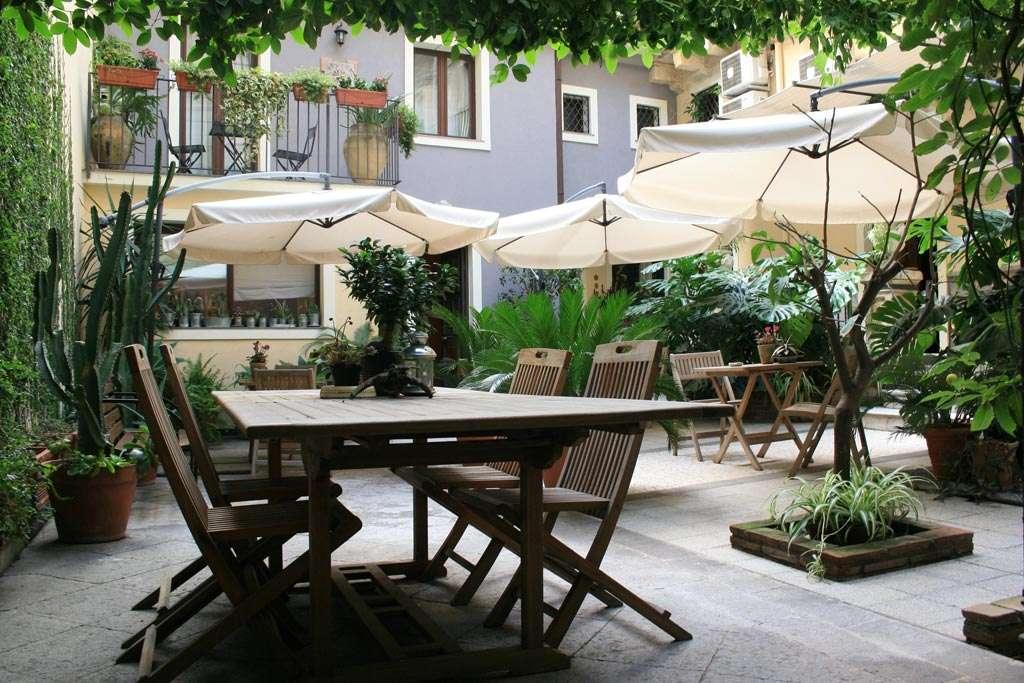 b&b catania - giardino interno